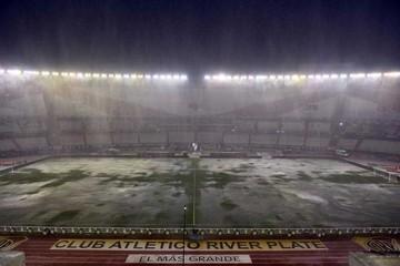 El clásico sudamericano,  postergado por la lluvia