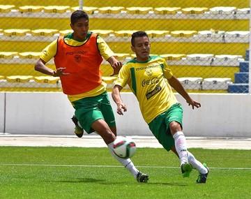Baldivieso anuncia línea de tres para jugar en Paraguay