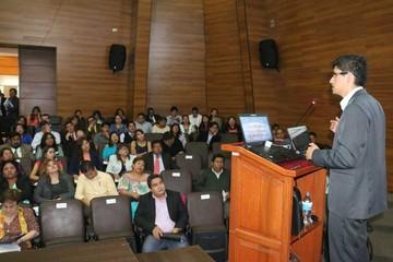 Seminario congrega a profesionales en derecho
