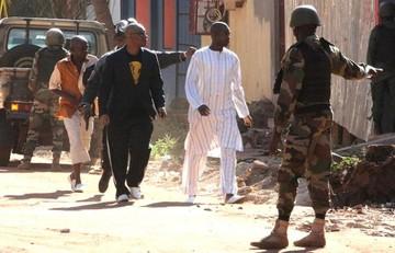 Al menos tres ciudadanos chinos entre los rehenes liberados en Mali