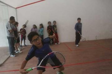 Squash avanza en torneo