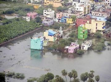 India: Fuertes inundaciones dejan centenares de víctimas
