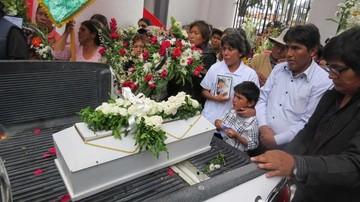 Alejandra fue enterrada; desconocen quién la mató