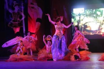 """Noches de Gala"" de Gil Dance  deleitan al público"