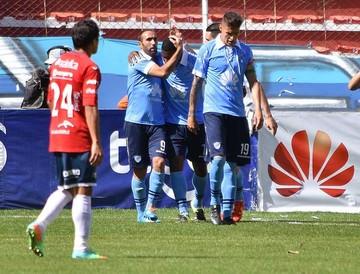 Bolívar supera a Wilstermann y  asume el liderato