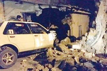 En cinco accidentes viales, muere conductor en Sucre