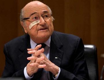Blatter vuelve a criticar