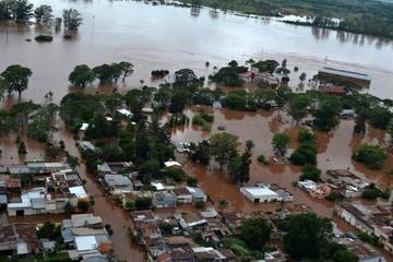 Lluvias provocan el éxodo de miles en países del sur