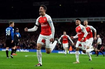 Arsenal toma el liderato