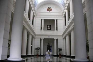 Evo señala a Sucre como sede de Cumbre Judicial