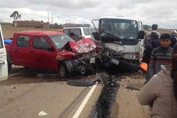 Muere persona en choque múltiple en la ruta a Potosí