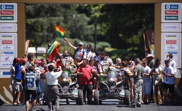 Seis bolivianos concluyen con  mejores marcas