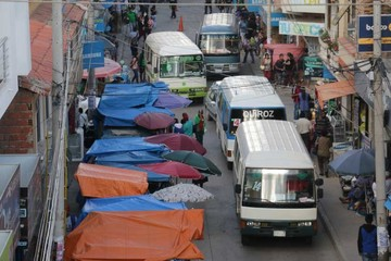 Vecinos anuncian juicio a autoridades por desorden