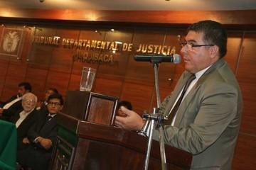 Hugo Córdova asume la presidencia del Tribunal