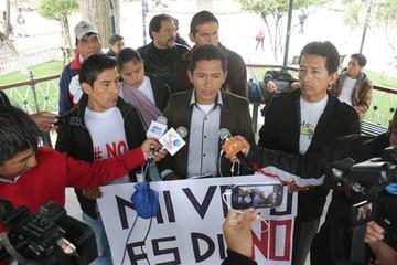 Los opositores alistan una  caminata masiva en Sucre