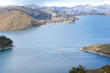 Perú dicta emergencia en cuenca del Titicaca