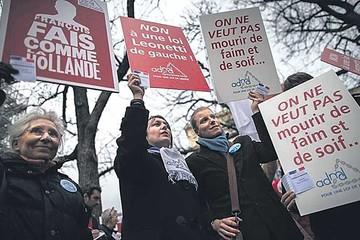 Francia aprueba sedación pero rechaza la eutanasia