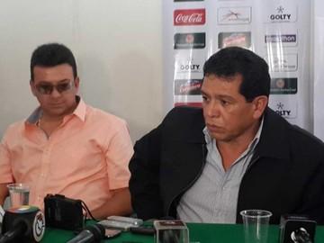 """López y """"Baldi"""" rayan la cancha"""