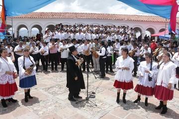 Estudiantinas de Sucre quieren marcar récord Guinness