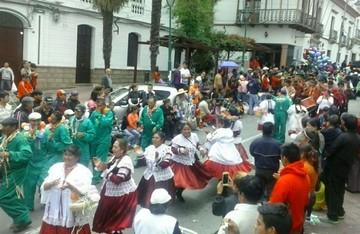 El Carnaval de Antaño entusiasma a familias enteras