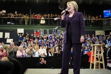 EEUU: Clinton arranca con victoria en caucus