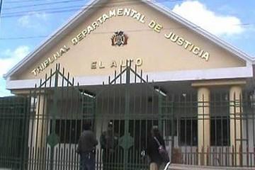 Piden encarcelar a Fiscal de El Alto por casos de extorsión