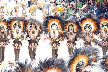 Color y música ponen en marcha el tradicional Carnaval boliviano