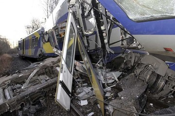 Diez muertos en choque ferroviario en Alemania