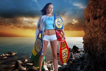 La boxeadora Jennifer Salinas revela su lesbianismo y anuncia su divorcio