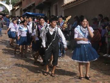 Yotaleños despiden el Carnaval derrochando alegría y colorido