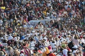 La Iglesia mexicana, tan cómoda entre las élites como alejada del pueblo