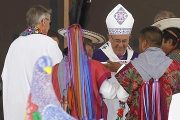 Francisco pide perdón a los indígenas mexicanos