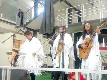 Se inicia taller intensivo de guitarra en Kaypi Rock