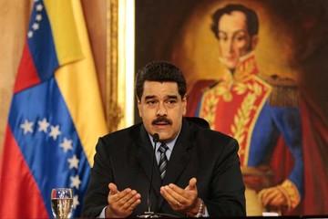 Venezuela devaluará moneda y subirá precio de su gasolina