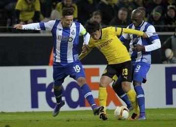 Dortmund supera  al Oporto y United  cae en Dinamarca