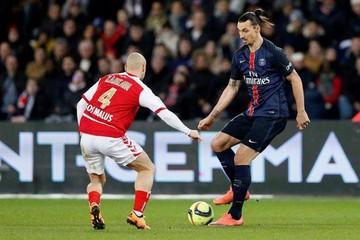 """""""Ibra"""" deslumbra en la goleada del PSG sobre Reims"""