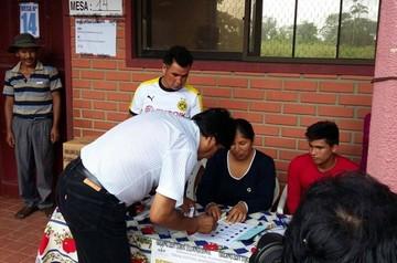Morales emite su voto y espera que se rompa récord en participación
