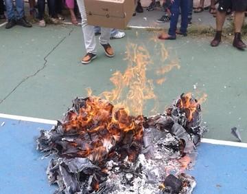 En Santa Cruz queman ánforas y postergan la votación en dos circunscripciones
