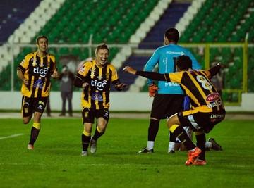El Tigre gana y sube al tercer lugar del torneo