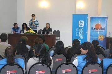 Banco Sol y Aldeas Infantiles firman convenio