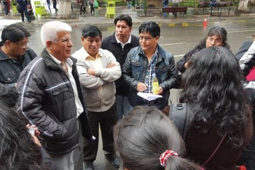Trabajadores municipales en emergencia por despido
