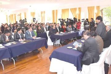 La nueva batalla política del MAS se librará en RRSS