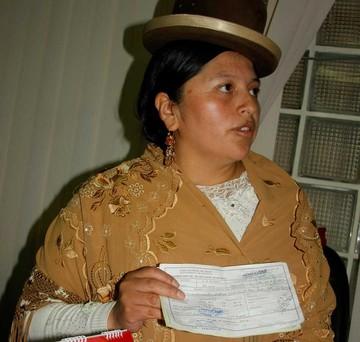 La Paz: Echan a delegada por hacer campaña política