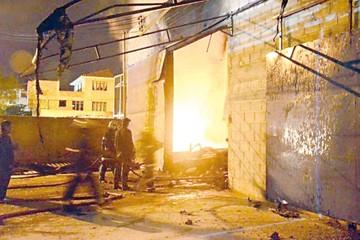 Cochabamba: Incendio  quema galpón de Astrix