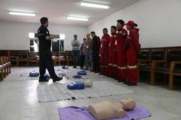 Capacitan a voluntarios en auxilio de heridos