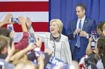 Clinton gana primarias en Carolina del Sur