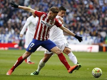 Atlético aparta al Real del título