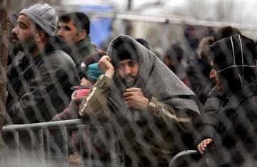 Gasifican a refugiados en la frontera de Macedonia