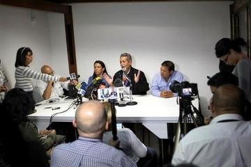 Oposición venezolana usará todos los mecanismos para poner fin al mandato de Maduro