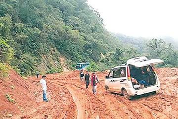 Muyupampa sigue aislada por mal estado de caminos